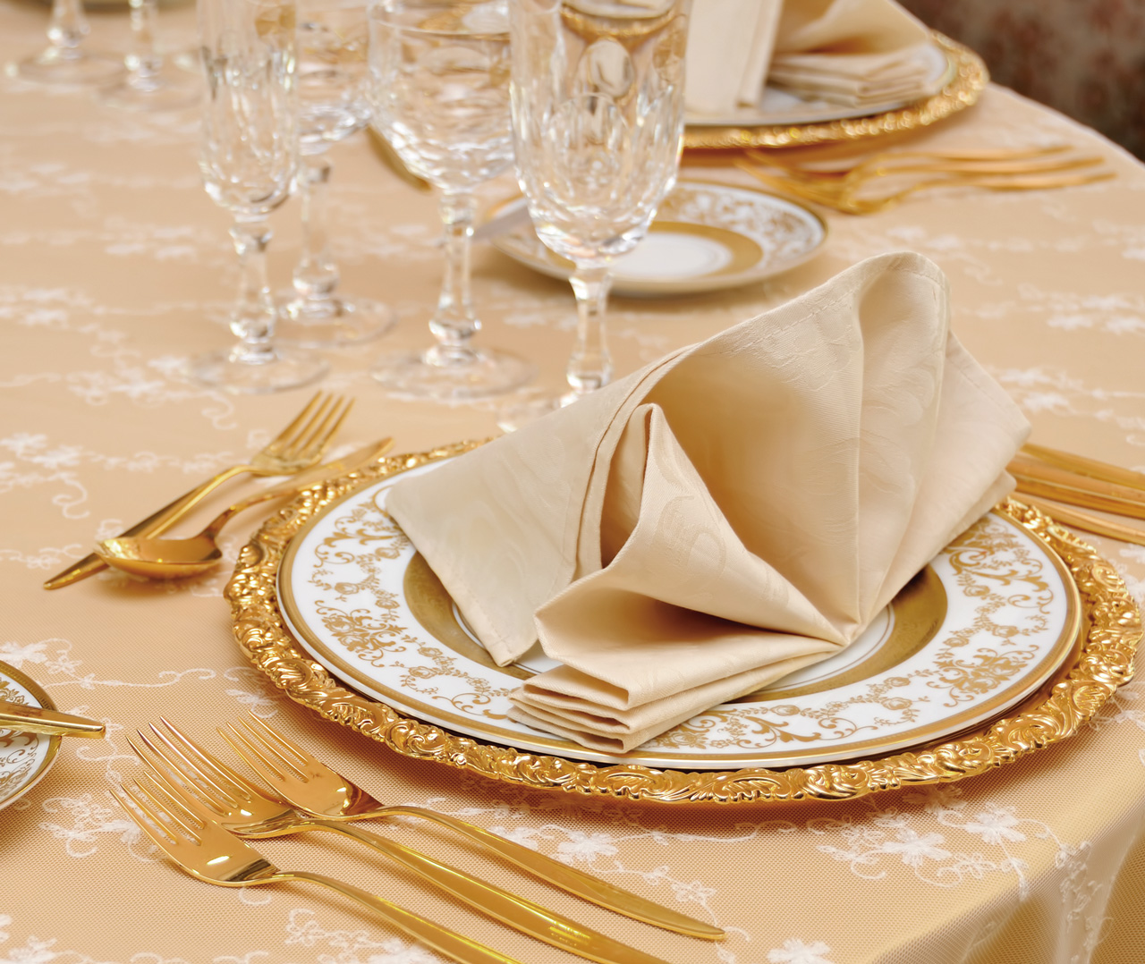 1280_1078_table-setting.jpg